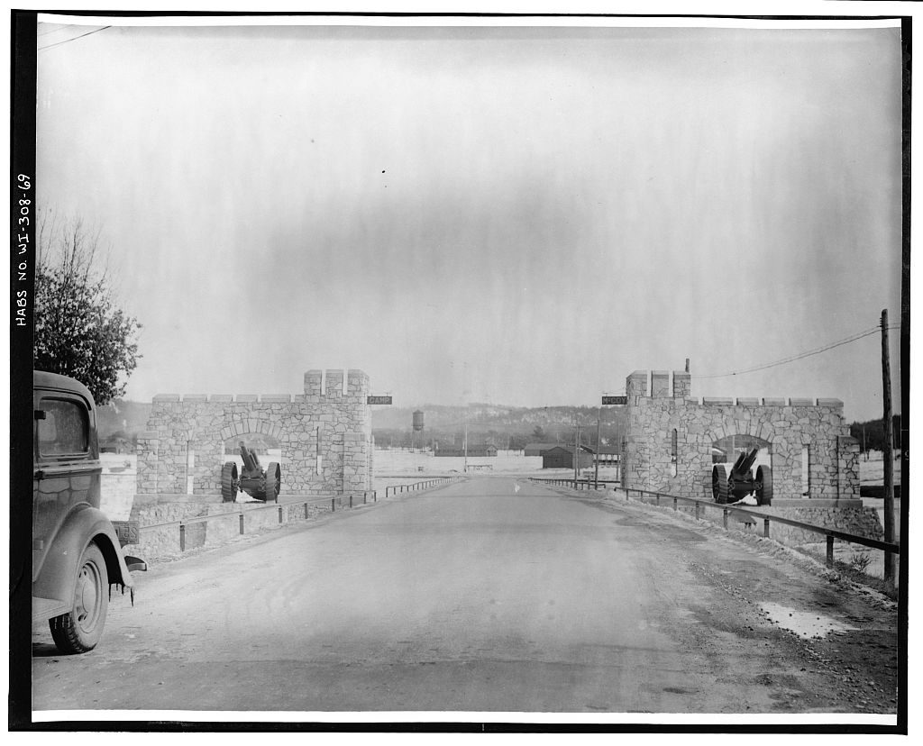road w/stone walls & canons